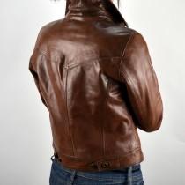 Alakot kiemelő bőrdzseki, retro barna színben, bőrkabát bolt, bőrkabátbolt