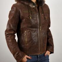 Alakot részben kiemelő, különleges konyakszínű női bőrdzseki, bőrkabát bolt, bőrkabátbolt