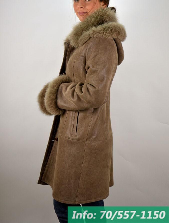 MIRA kapucnis női irhabunda - Bőrkabát boltBőrkabát bolt 0a523cc3fc