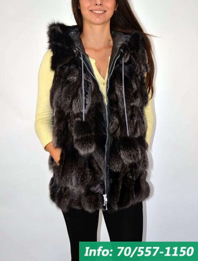Hosszított fazonú női kapucnis szőrme mellény, szőrmemellény, bőrkabát bolt, bőrkabát