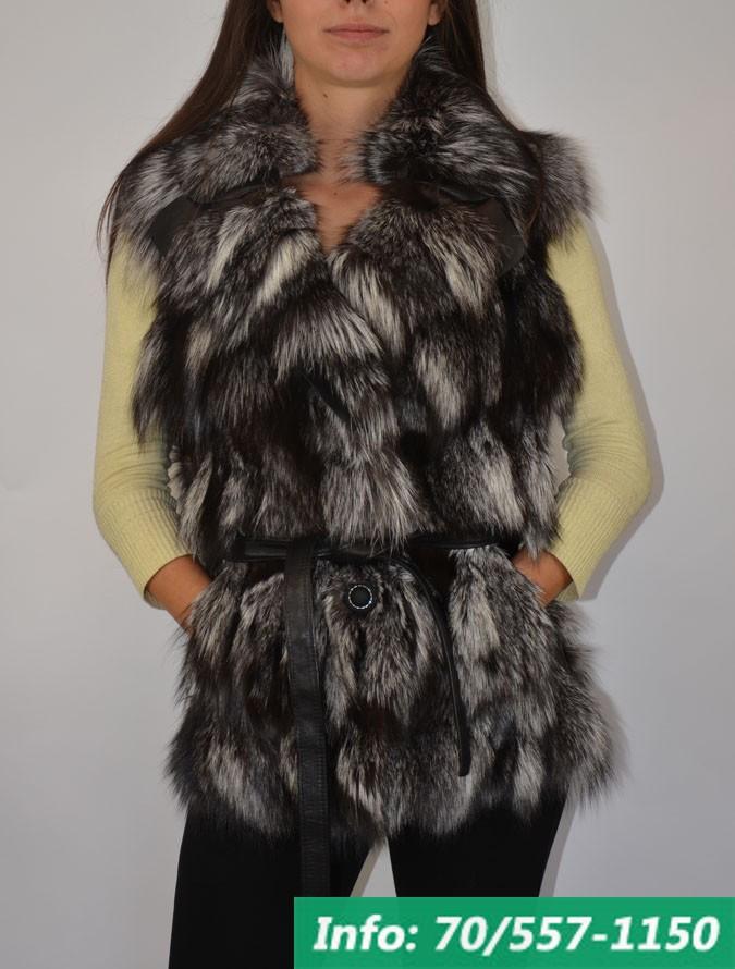Karcsúsított női szőrme mellény ezüstróka prémből, szőrmemellény, irhakabát, bőrkabát bolt, bőrkabát